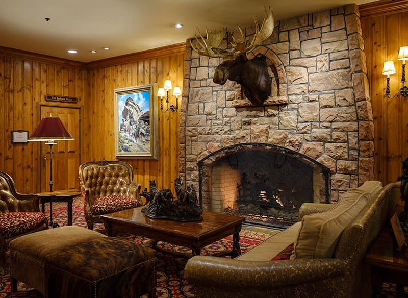wild west, wyoming, wort hotel, jackson, accommodation, where to stay in wyoming, ski holiday, photography, dan avila