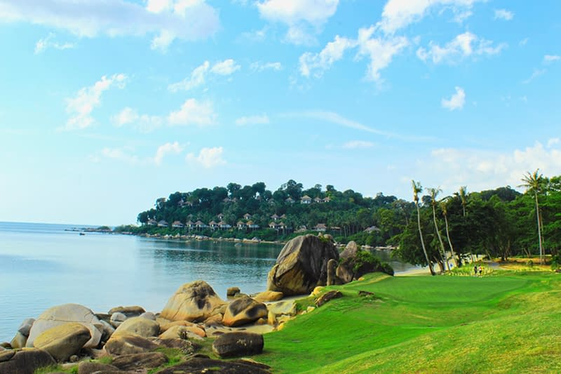 Vacationsmag_Bintan-Gold-Course-lagoon