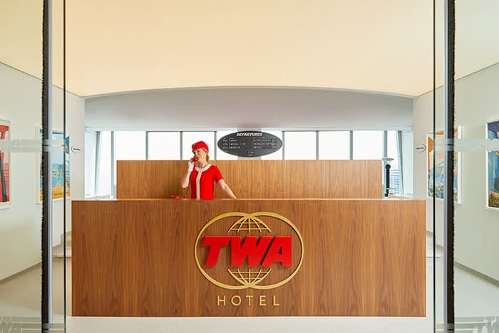 Vintage-inspired TWA Hotel opens at JFK airport
